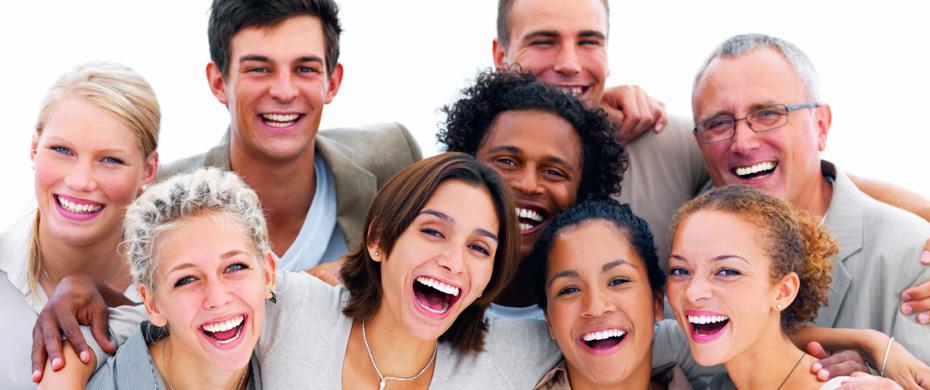 pessoas sorrindo